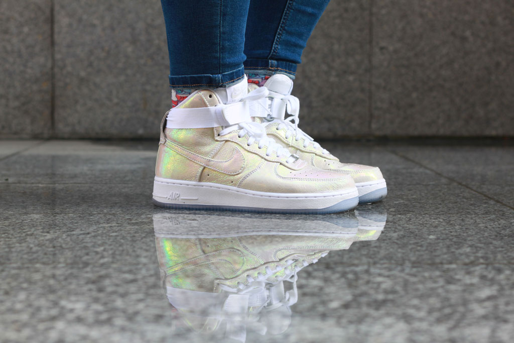 Nike Air Forece 1 iridescent pearl