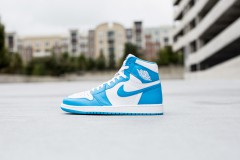 Air Jordan 1 Powder Blue