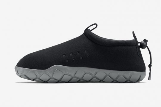 Infos de release NikeLAB Air Moc Tech Fleece Black Grey