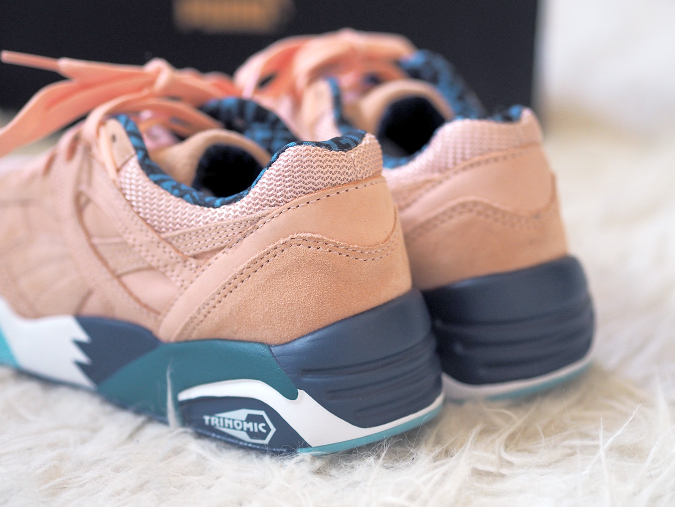 Alife x Puma R698 Peach details photo