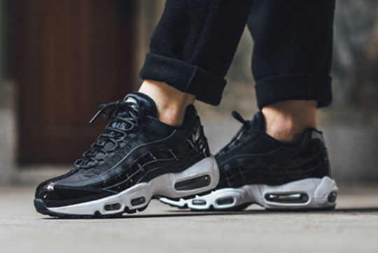 Release Nike Air Max 95 SE Premium Black Womens