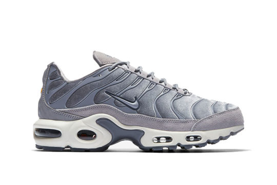 Nike Air Max Plus LX Gunsmoke Womens release