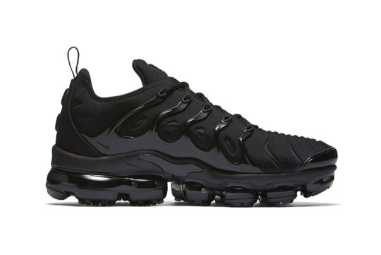 Nike Air VaporMax Plus Triple Black Release