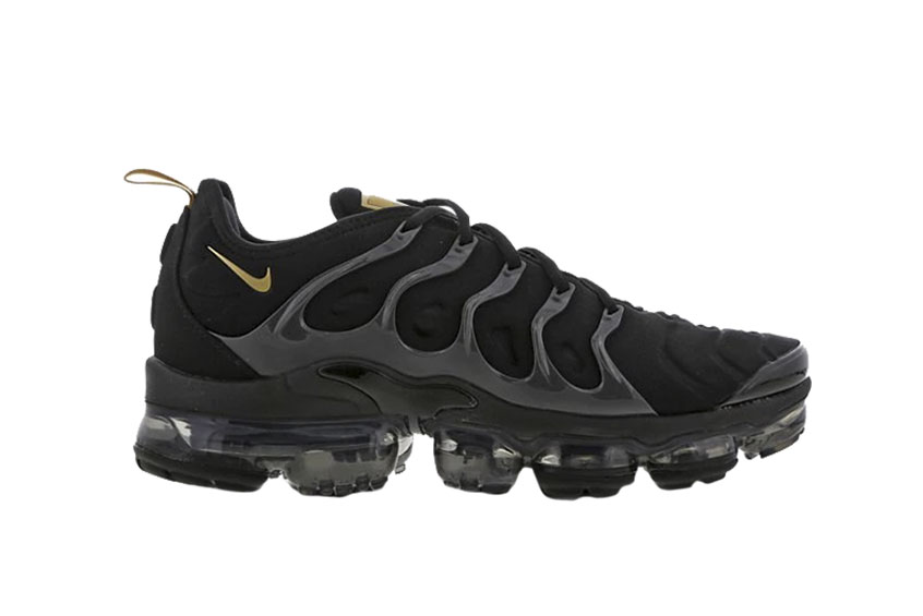 c9f75f121d How to buy the Nike Air VaporMax Plus Black Gold Footlocker Exclusive ?